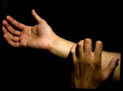 Водянистые прыщи на руках и теле